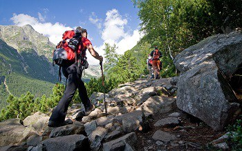 Wear the Right Clothes For Backpacking