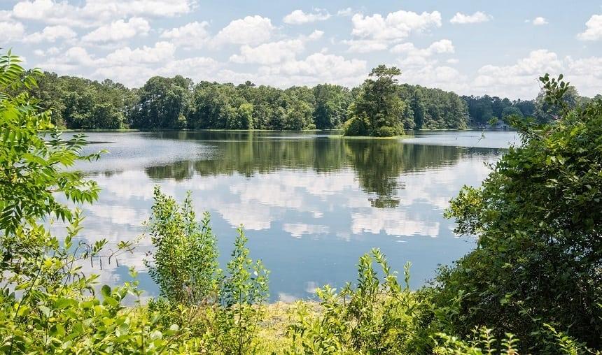 Lay Lake