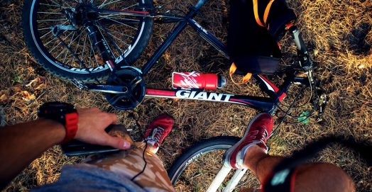 photo/red-and-black-giant-mountain-bike